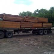 Pemuatan truk Kayu Merbau