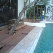 Pool Deck di Perumahan Ancol Timur