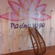 Media Senam Yoga dari Kayu Kamper